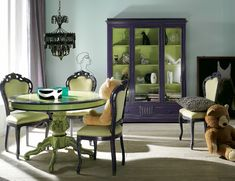 Purple interior design can hardly be taken too seriously, but if you've decided to give purple hue in the house, it is best to decorate the bedroom or livi Colorful Interior Design, Purple Interior, Colorful Decor, Colorful Interiors, Green Dining Room, Dining Room Colors, Green Rooms, Green Table, Blue And Green