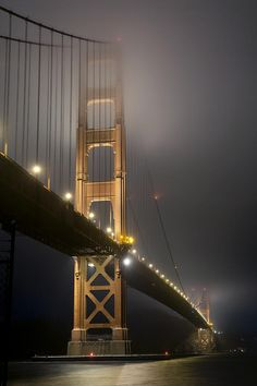 Golden Gate Bridge at Night, San Francisco, California #familytravel #littlenomads
