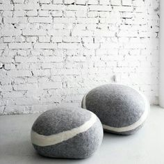 Wool pebble seating