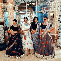 Anika and Family 😊 Indian Wedding Outfits, Indian Outfits, Pakistani Outfits, Indian Attire, Indian Wear, Indian Lehenga, Asian Bridal, Lehenga Designs, Indian Designer Outfits