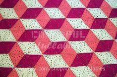 ILLUSION. Crochet triangle blanket