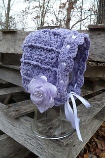 This baby bonnet pattern coordinates perfectly with my Ashlyn Hat pattern, so babies and adults can match!