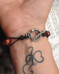 """,,Shamanic snake count your blessings bracelet"""" Everytime you feel blessed during the day, you can move one of the beads to one side. Then if you take the bracelet of when you go to sleep at night, you now just how blessed you are."""