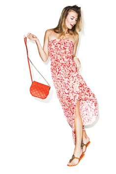 Basic accessories compliment a head-to-toe print. More tricks to wear prints (and look fabulous doing it): http://www.womenshealthmag.com/style/summer-clothes
