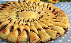 Easy Desserts, Dessert Recipes, Pie Crust Designs, Muffin Recipes, Apple Pie, Sweets, Chocolate, Cooking, Breads