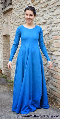 Blue dress reconstruction from Theatrum Sanitatis from Biblioteca Casanatense, Ms.4182, tav.117. Front.