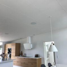 """@nybyg_risskov_19 on Instagram: """"Rockfon akustikloft - vi var nødt til at køre til Herning for at se det igen 🤓 Vi skal så meget have det loft en dag...😬🤞 - #nybyggeri…"""" Loft, Ceiling Lights, Lighting, Ceilings, Instagram, Home Decor, Lofts, Ceiling, Light Fixtures"""