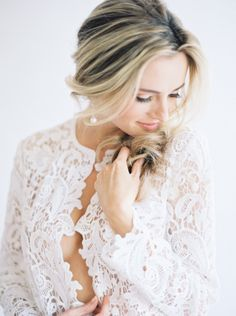 Gorgeous boudoir inspiration: http://www.stylemepretty.com/2015/06/15/soft-romantic-boudoir-session-inspiration/ | Photography: Lucy Cuneo - http://www.lucycuneophotography.com/
