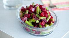 Теплый салат из свеклы с зеленой фасолью