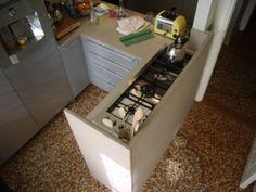 cucina scatolare in bianco carrara   piani cucina e top in marmo ...