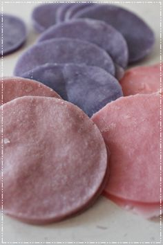 fire starters: cotton pads dipped in candlewax Fire Starters, Cotton Pads, Wonderful Things, Handicraft, Projects To Try, Crafts, Diy Ideas, Food, Home Decor