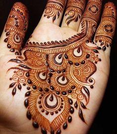 The Importance and Benefits of Mehndi at Traditional WeddingsFor Indian and Pakistani weddings, the celebratio Indian Mehndi Designs, Stylish Mehndi Designs, Mehndi Designs For Fingers, Beautiful Mehndi Design, Latest Mehndi Designs, Henna Tattoo Designs, Mehandi Designs, Henna Tattoos, Tatoos