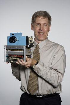 Steve Sasson inventor da primeira máquina                          fotográfica…