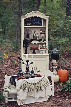 Haunted Forest Children's Halloween Party: Amazing display style