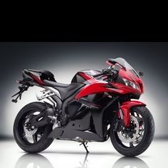 Honda cbr 600. Its a must I have one of these