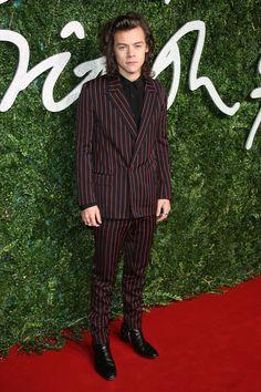Les looks et le style d'Harry Styles des One Direction   Vogue