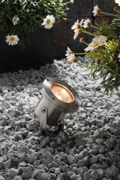 Garden Lighting Ideas. Create designer landscape lighting in your garden! Just like a spot light!