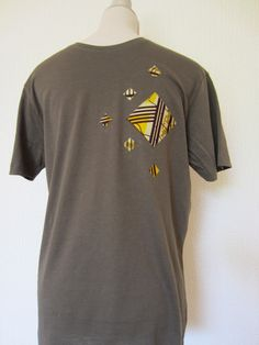 Tee shirt kaki customisé tissu motif africain wax beige jaune (envoi 0€) : Tshirts, polos par cewax