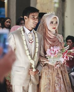 Muslim Wedding Gown, Muslimah Wedding Dress, Muslim Wedding Dresses, Muslim Brides, Wedding Gowns, Bridal Hijab, Hijab Bride, Bridal Outfits, Wedding Hijab Styles