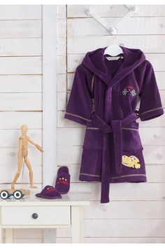 Detský župan PILOT s kapucňou a papučkami v darčekovom balení vo farbe tmavo modre alebo fialovej