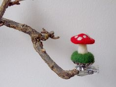 "Easter decoration - all year round ""toadstool Christmas Scenes, Christmas Crafts, Christmas Ornaments, Felt Crafts, Crafts To Make, Mushroom Crafts, Hedgehog Craft, Needle Felting Tutorials, Diy Weihnachten"