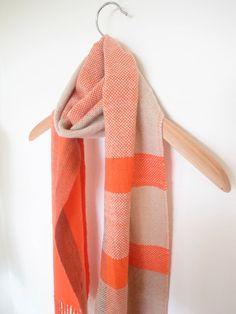 Cachemira tejidas a mano la bufanda naranja marrón por Handarbete