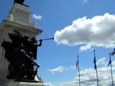 19-statue-cloud-perfect-tim