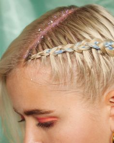 Add a touch of springtime sparkle to girly plaits Plaits Hairstyles, Spring Hairstyles, Hairstyles Haircuts, Long Curly Hair, Curly Hair Styles, Long Platinum Blonde, Glitter Roots, Hair Color Caramel, Tousled Hair