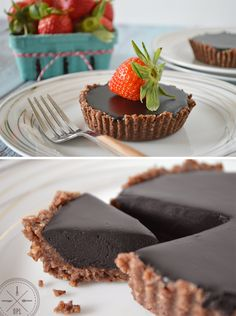 Chocolate Hazelnut Tart {paleo, vegan, raw} by Our Paleo Life -- Tbsp Coconut Oil 3 Tbsp Full-Fat Coconut Milk 3 Tbsp Maple Syrup 6 Tbsp Cocoa Powder Paleo Dessert, Bon Dessert, Healthy Sweets, Raw Dessert Recipes, Dessert Blog, Roh Vegan, Vegan Raw, Paleo Vegan, Vegetarian