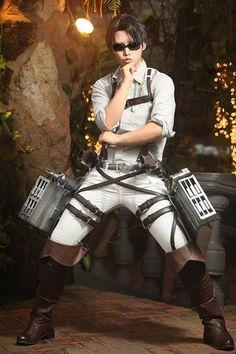 Levi / Reika cosplayer