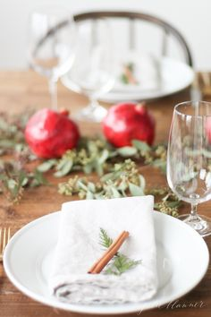 Christmas Table Setting & Entertaining Tips Christmas dinner table setting – casual comfort I'd tie the greens, cinnamon stick and napkin w White Table Settings, Christmas Table Settings, Christmas Centerpieces, Christmas Decorations, Table Decorations, Setting Table, Place Setting, Holiday Decor, Christmas Living Rooms