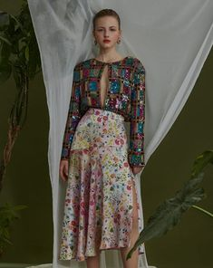 #tbt Hidden Garden - Exclusive on Flanelle Magazine Photo: @evgeniy_sorbo MUA: @yulia_khudiakova Stylist: @lilirys Model: @tashaanisimova