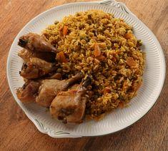 Chicken Spanish And Rice قطع الدجاج مع الأرز الأسباني Chicken And Spanish Rice Spanish Rice Stuffed Peppers