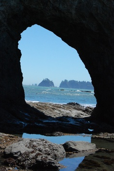 Hole in the Wall, Washington Coast (Vanessa can we do it this year, proper shoes required!!!!)