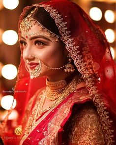 Ornaments only add to the beauty of a bride. And, it's the smile 😄 that enhan… – Barbara Jones Indian Wedding Bride, Bengali Wedding, Indian Bride Poses, Indian Wedding Makeup, Indian Bridal Outfits, Indian Bridal Fashion, Indian Bridal Photos, Beautiful Indian Brides, Beautiful Bride