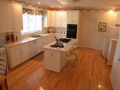 Great kitchen island layout, with the stove top at one end.
