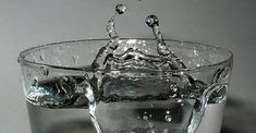 Check out these easy science activities that introduce states of matter to kids. Water is a perfect substance to introduce states of matter to kids! Science Guy, Easy Science, Preschool Science, Physical Science, Science Classroom, Science Lessons, Science Activities, Science Ideas, Science Experiments For Preschoolers