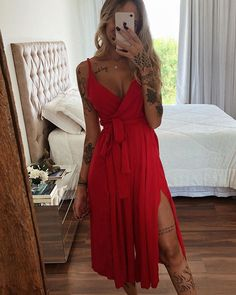 Red Velvet Dress And Tattoo Casual Chic Outfits, Trendy Outfits, Summer Outfits, Cute Outfits, Paris Outfits, Dress Outfits, Estilo Hippie Chic, Girl Fashion, Fashion Outfits