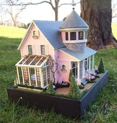 Partially finished Petalstone prototype - a quarter inch doll house designed by Robin Betterley Miniature Houses, Miniature Dolls, Sims House Plans, Sims Building, Victorian Dollhouse, Modern Dollhouse, Victorian Houses, Mini Doll House, Fairy Houses