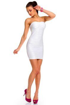 Vestido Blanco Lily Sugerente Vestido Blanco Lily entallado en color blanco. Con un sensual escote en palabra de honor. Más que un vestido un sueño, para una noche vibrante e inolvidable. Dormirás sin él.  Código producto: HS1039