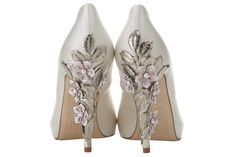Sakura in Ivory. Another look at these beautiful shoes! Aren't these stunning? Sakura (cherry blossoms) entwined on the heels with silver leaves. Would love to have these!