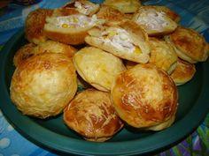 Töltött korongok recept Pretzel Bites, Baked Potato, Potatoes, Bread, Baking, Ethnic Recipes, Food, Potato, Brot