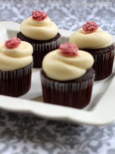 Rose Cupcakes by Simply Cupcake, via Flickr