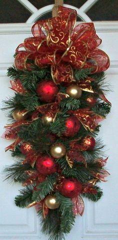 Teardrop Swag, Christmas Swag, Vertical Swag, Pine, Green, Elegant, Vertical Decoration