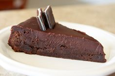DECADENT BROWNIE PIE @Let's Dish Recipes #dessert #pie #chocolate #chocolatepie #brownie #browniepie
