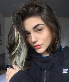 your hair, the stylized hair can make a big change in your outfit, image, face Short Bob Hairstyles, Pretty Hairstyles, Men's Hairstyles, Blonde Streaks, Colored Streaks In Hair, Multicolored Hair, Hair Looks, Dyed Hair, Brown Hair