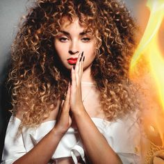 Ella Eyre - awesome singer and beautiful hair <3
