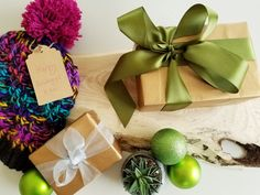 DIY christmas and holiday gifts at workshops in London. Diy Christmas, Christmas Wreaths, Chalk Painting, Things To Do In London, Wine Racks, Pom Pom Hat, Rustic Signs, Charcuterie Board, Ontario