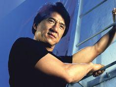 Jackie Chan terima Anugerah Kehormat Oscar   Jackie Chan  LAGENDAseni mempertahankan diri Jackie Chan bakal menerima Kehormat Oscar daripada Akademi Wayang Seni Gambar dan Sains pada Anugerah Gabenor 12 November ini. Chan 62 tahun telah membintangi (turut menulis mengarah dan juga menghasilkan) lebih daripada 30 buah filem seni mempertahankan diri kebanyakkannya dibuat di negara asalnya Hong Kong. Kejayaannya di pentas luar melalui filem hit tahun 90 an Rumble in the Bronx dan juga Rush…