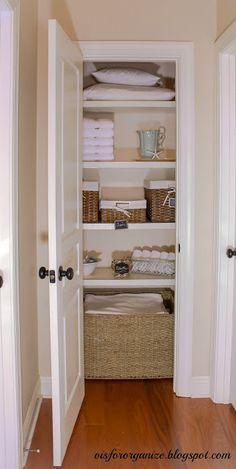 How To Organize a Linen Closet [Tutorial]